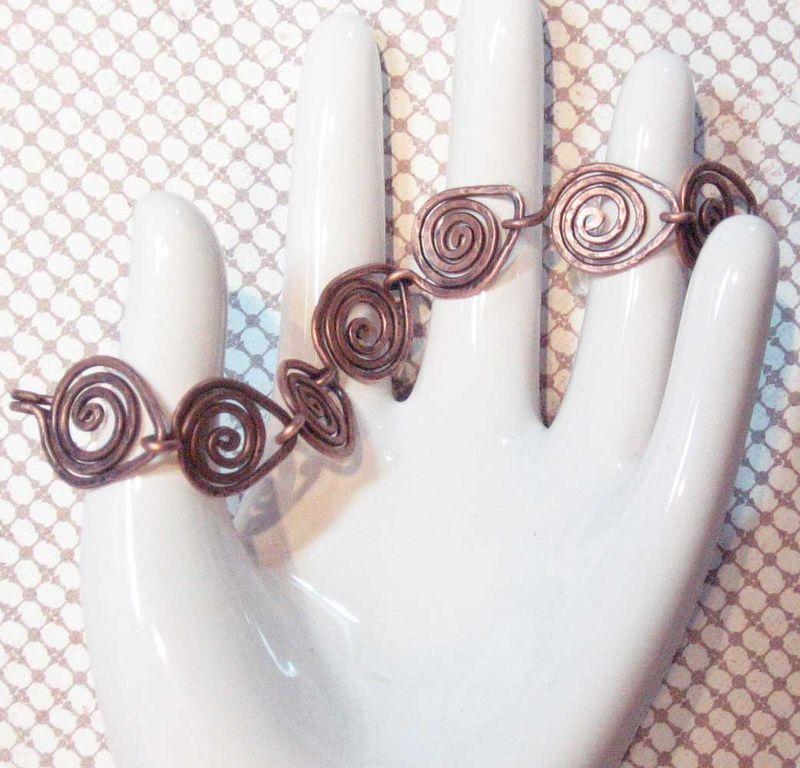 Swirl-copper-bracelet-