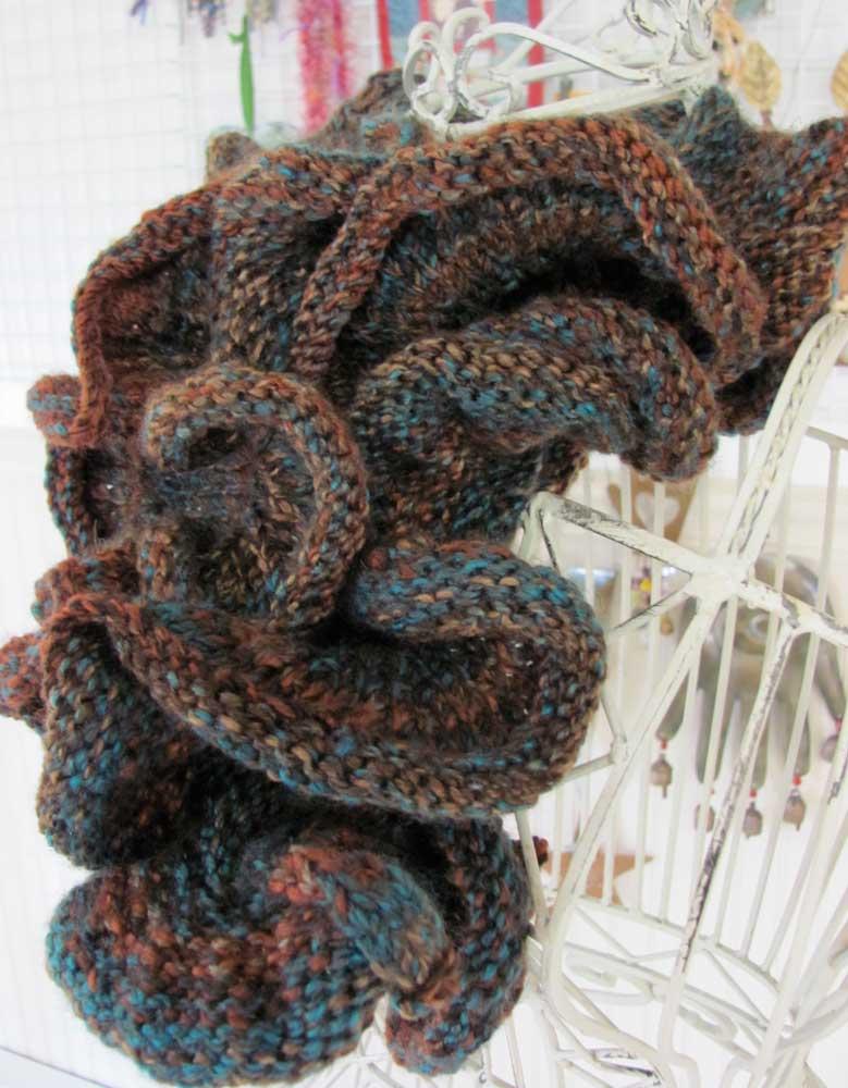 Ruffled-scarf-